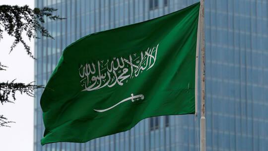"""الشاب السعودي """"معاذ"""" اخترق حسابات فرق فنية كورية على تيك توك ومطالبات بالقبض عليه"""